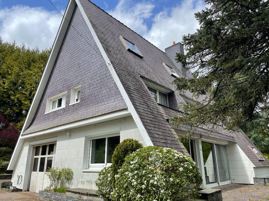 A VENDRE MAISON SUD DINAN  SUR LA COMMUNE DE GUITTÉ 120 m²- 4 chambres , environnement verdoyant de 8000 m²